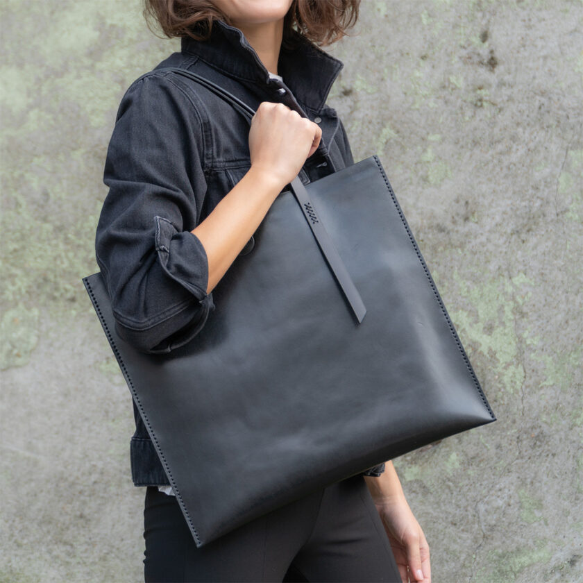 Mozza Slim X Black Tote Bag